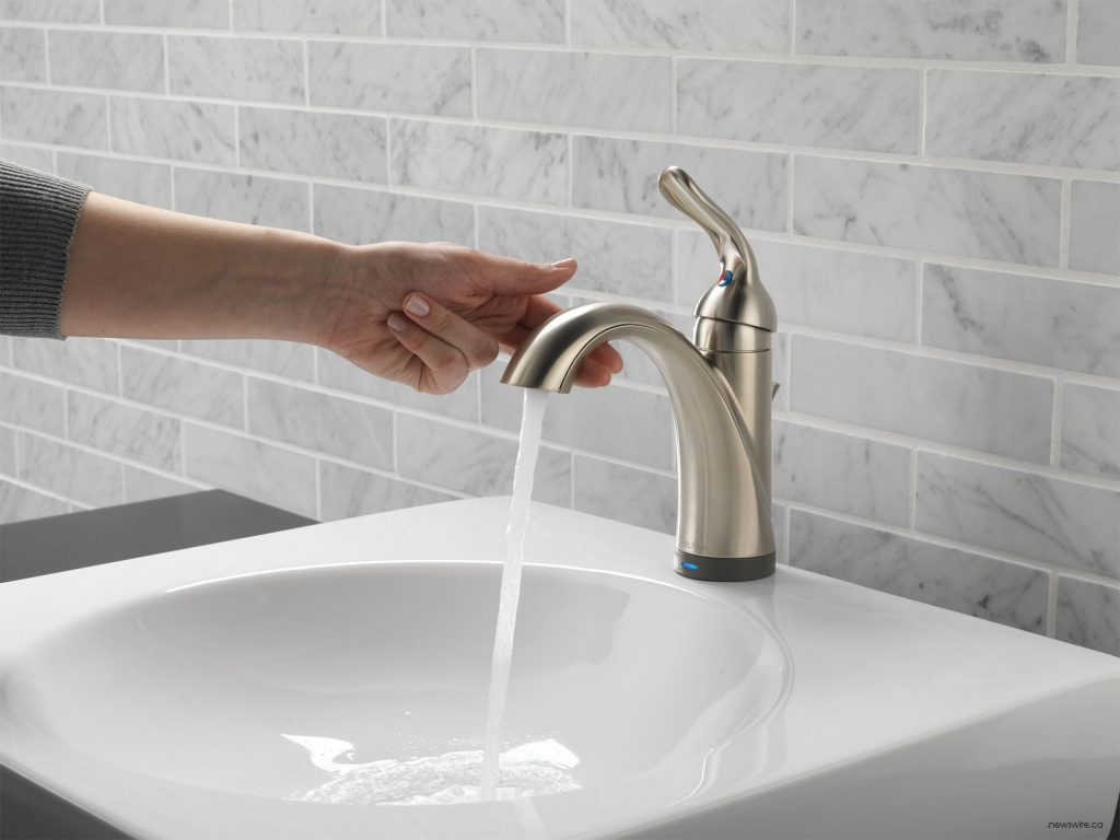 Delta's Touch20 Technology allows the user to turn the faucet on and off with just a tap (CNW Group/Delta Faucet Canada)