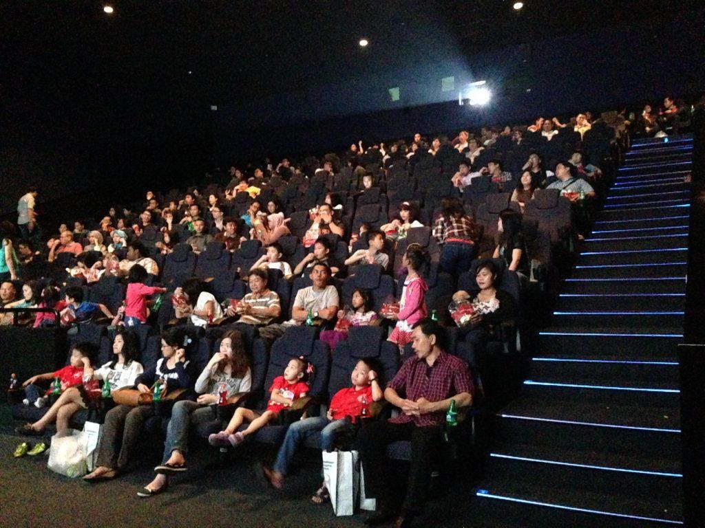 Nonton Bareng Film Star Wars Bersama Rucika dan DBO Indonesia