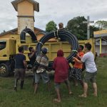 pipa Wavin Black berdiameter 90 mm dengan total panjang ±1000 m untuk dipergunakan sebagai jaringan distribusi air dari embung ke desa melalui daerah yang berbukit - rucika