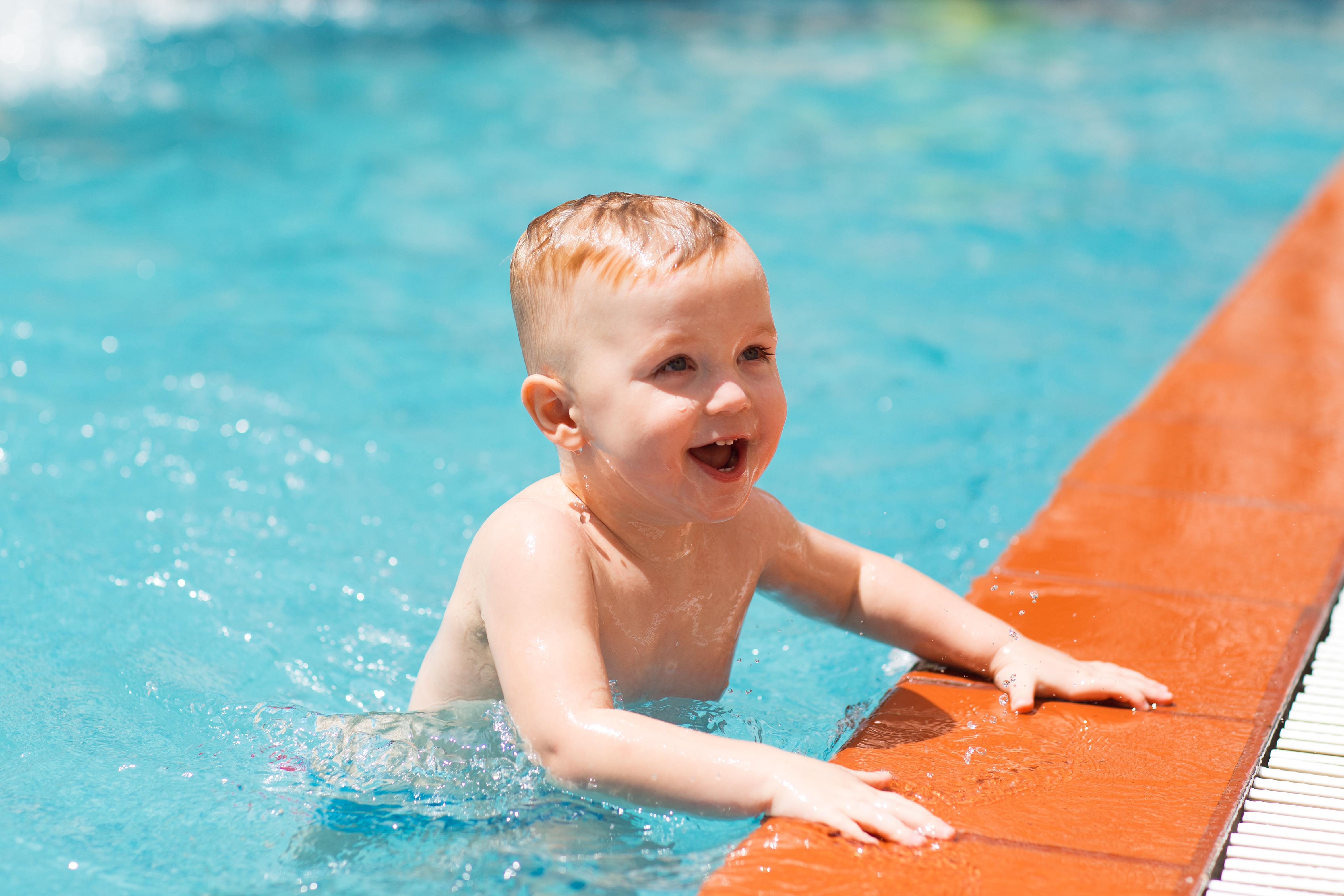 kolam renang yang digunakan anak-anak
