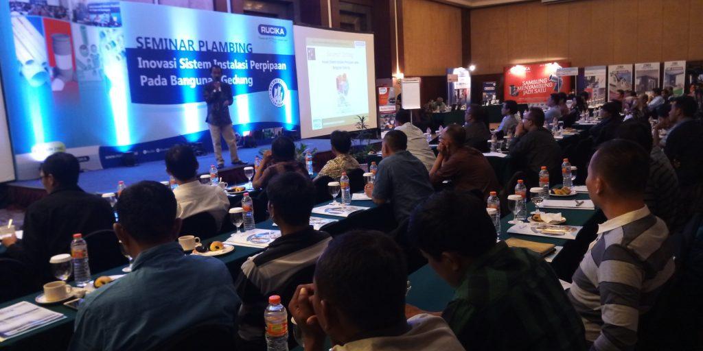 Inovasi dan Edukasi melalui Seminar Plambing di Semarang