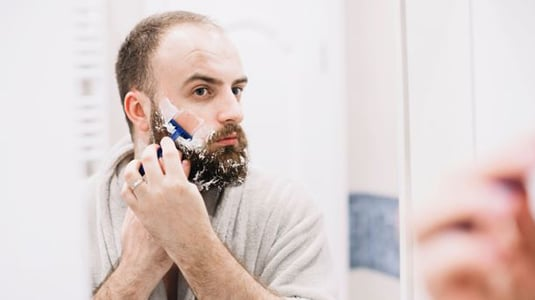 Sisa rambut yang langsung terbuang ke wastafel biasanya berasal dari bercukur