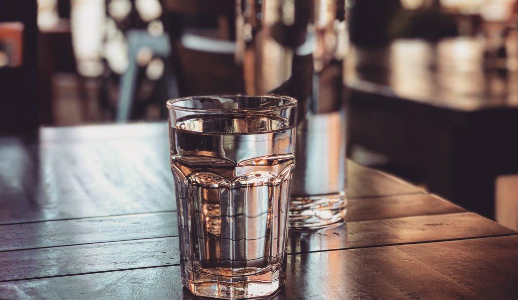 Beberapa Faktor yang Mengharuskan Anda Minum Air